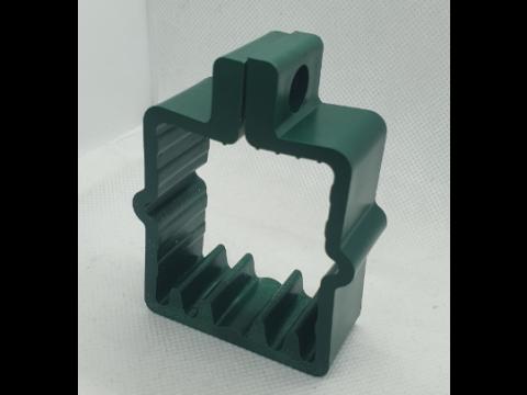 Obujmica za kvadratni stup 60x60 sa vijkom tamno zelena RAL. 6005