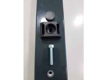 Spojnica za kvadratni stup s zakivnom maticom i vijkom M6 siva antracit